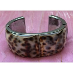 Shell cuff bracelet in tortoiseshell colouring