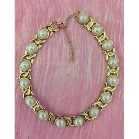 Chunky faux pearl with gold tone necklace